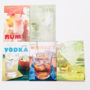 MINI BAR A LITTLE BOOK OF BIG DRINKS Boxed Set
